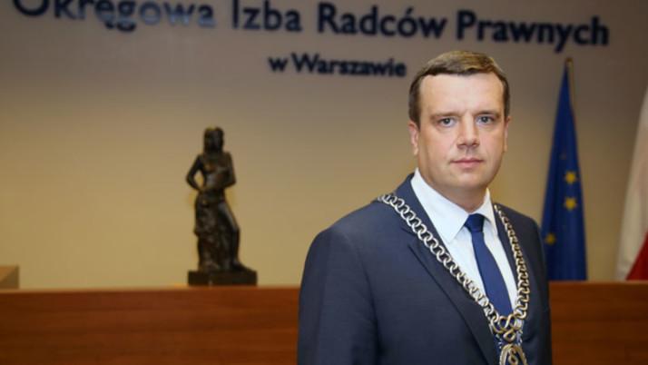 Włodzimierz Chróścik pozostaje dziekanem w Warszawie