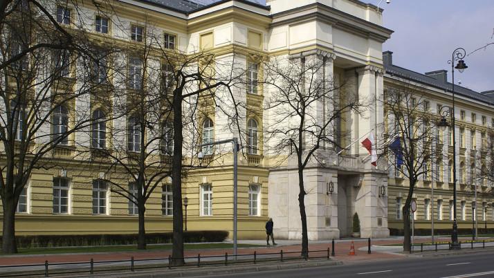 Korespondencja w sprawie radców prawnych zatrudnionych w służbie cywilnej